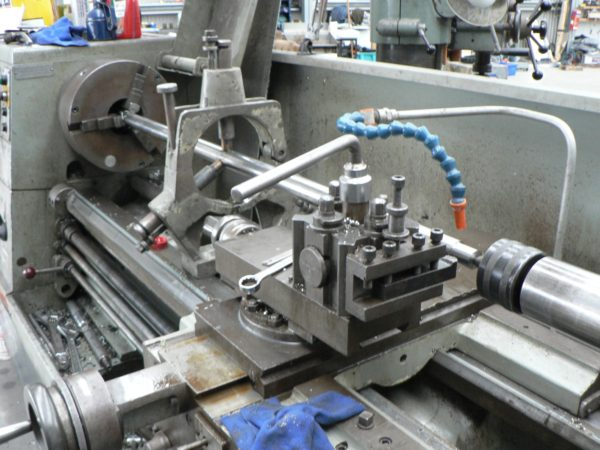 Nordkyn Engineering 74 - Shaft in lathe with steady
